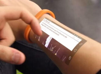 This futuristic bracelet has the power to alter your perspective