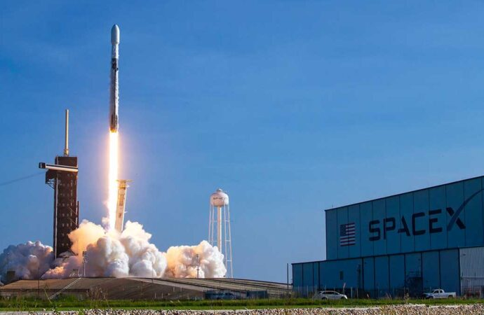 launching of spacex for starlink satellites in Cape Canaveral
